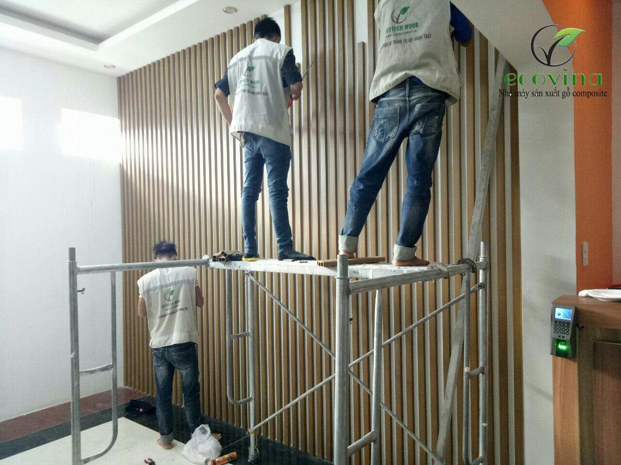 chuẩn bị khung xương thi công gỗ nhựa composite