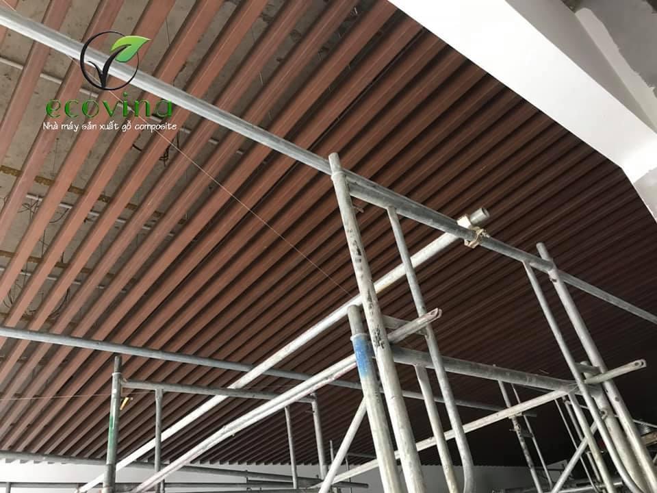 Trần gỗ nhựa composite Ecovina