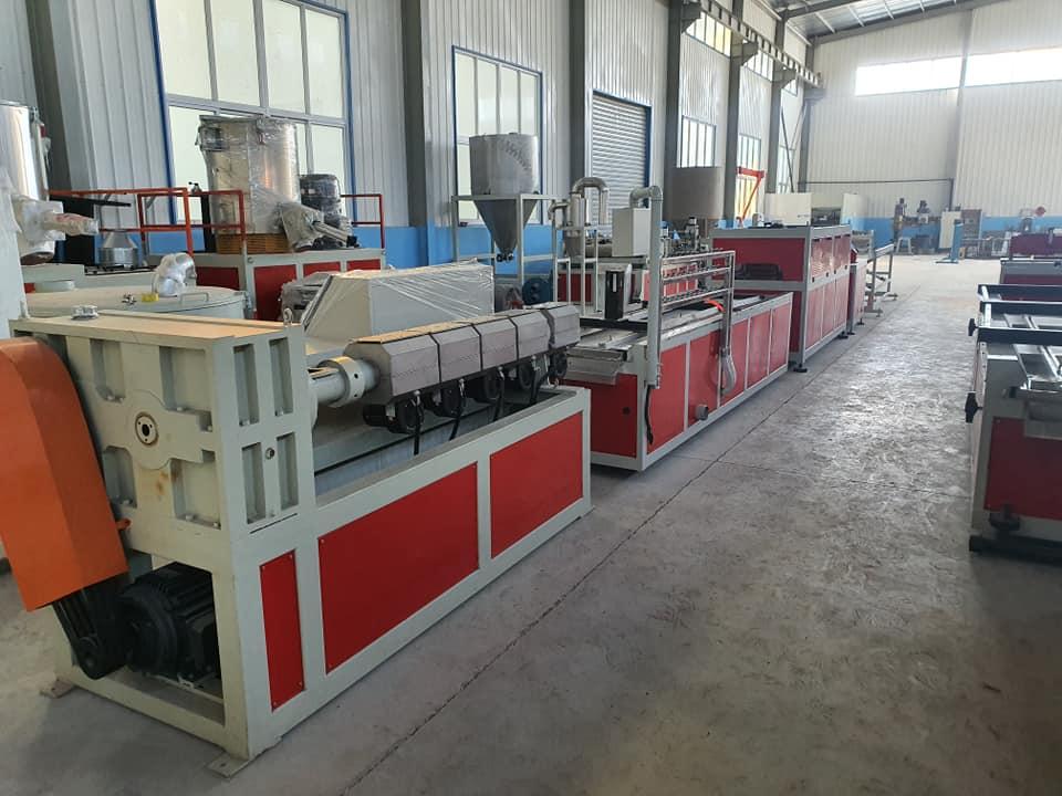 Gỗ composite ECOVINA -Sản xuất tại VN cắt theo yêu cầu