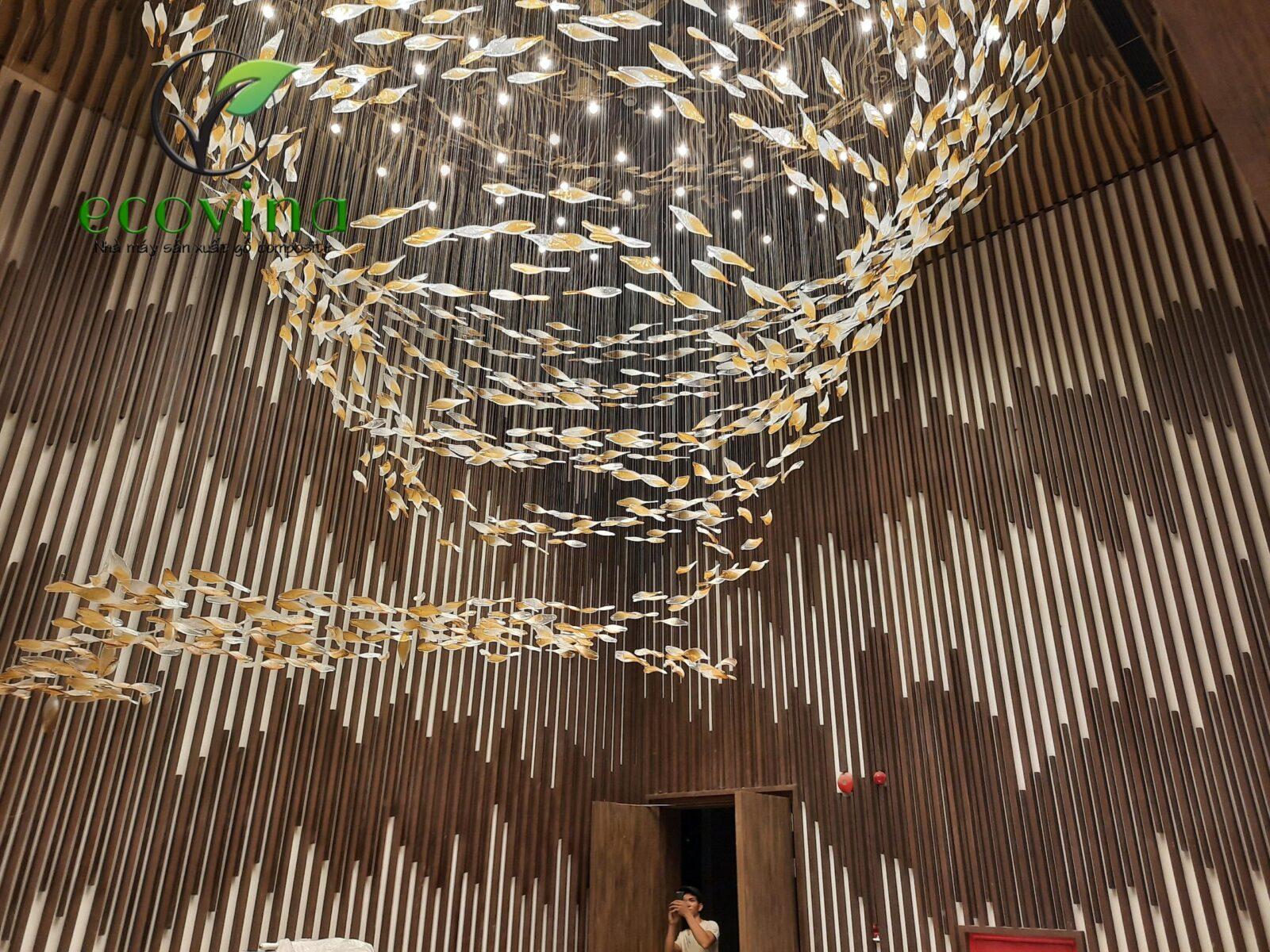thi công gỗ nhựa ốp tường tại Khách sạn 5 sao Quảng Ninh