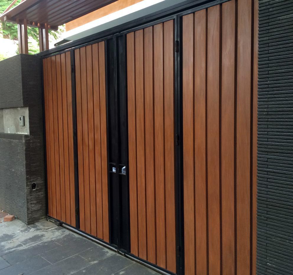 Cổng nhựa giả gỗ Ecovina