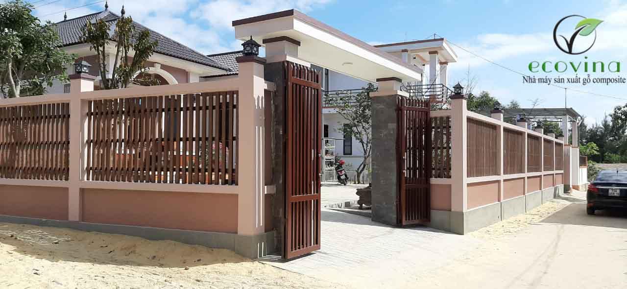 Thi công cổng gỗ nhựa Ecovina