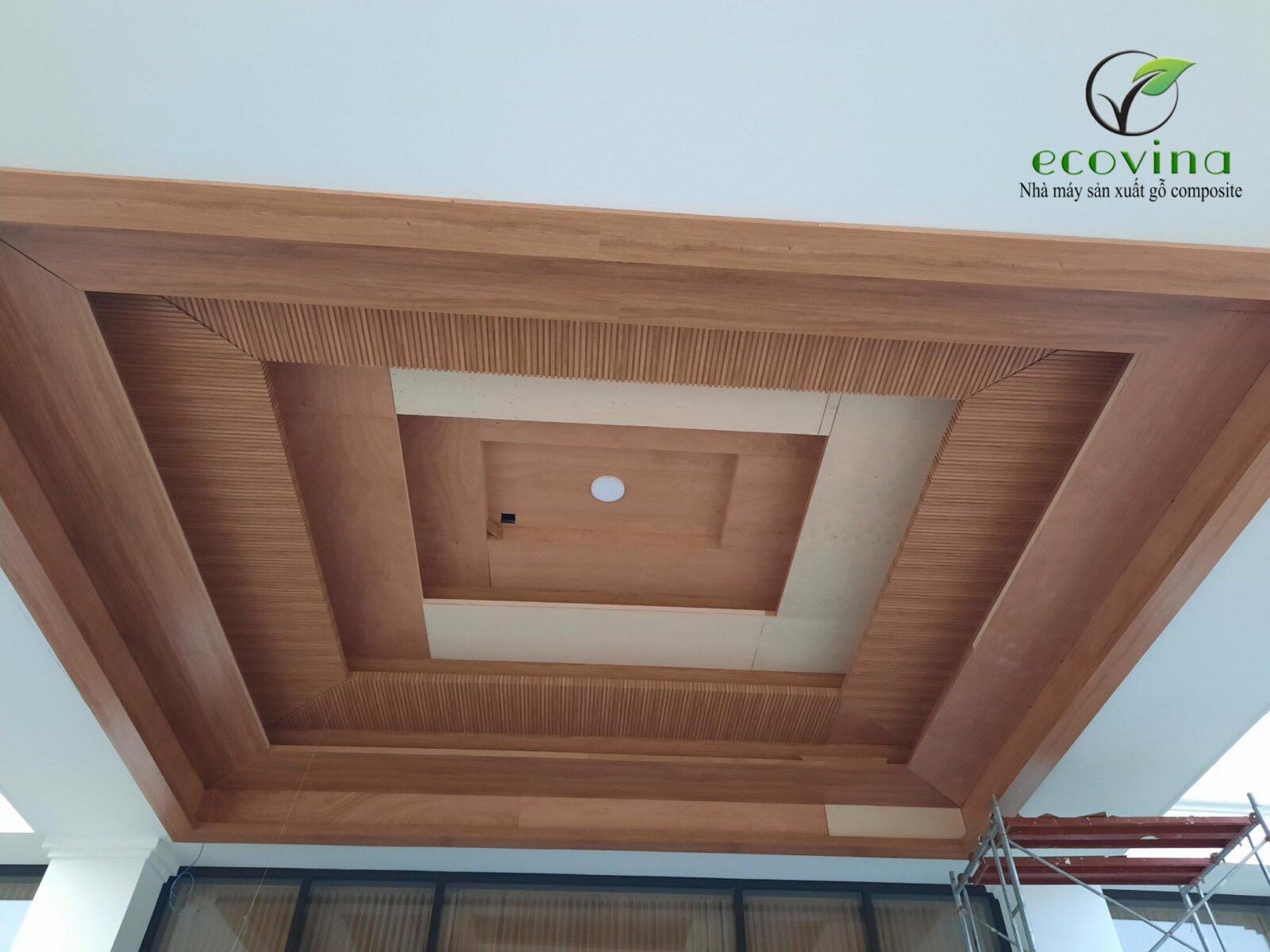 Thi công ốp trần gỗ nhựa composite tại Ninh Bình 2020