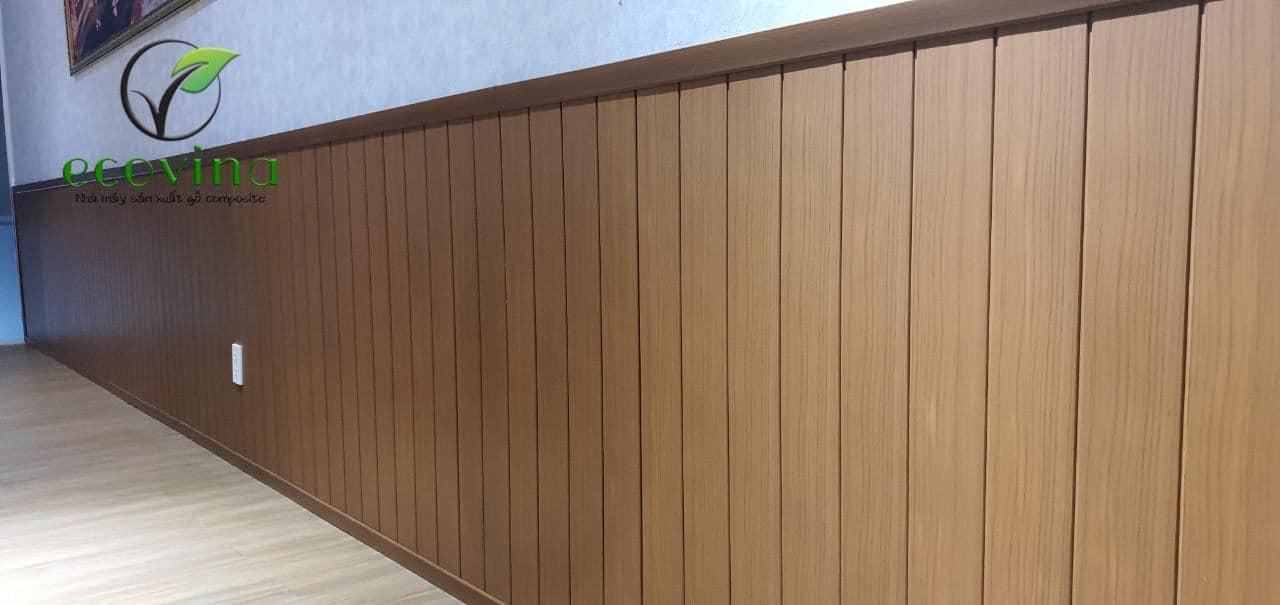 Tấm ốp chân tường gỗ nhựa