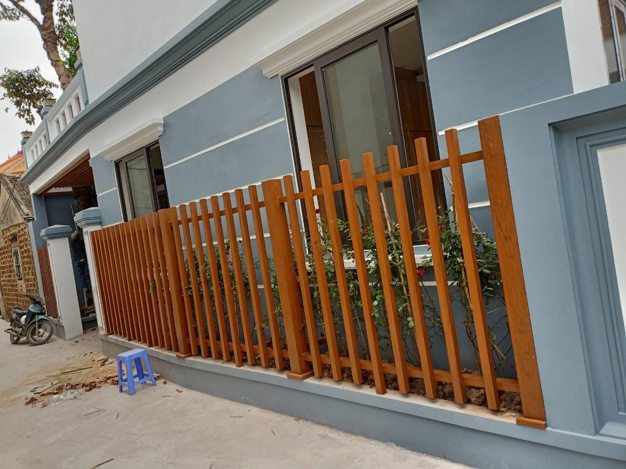Thanh lam gỗ nhựa composite làm hàng rào