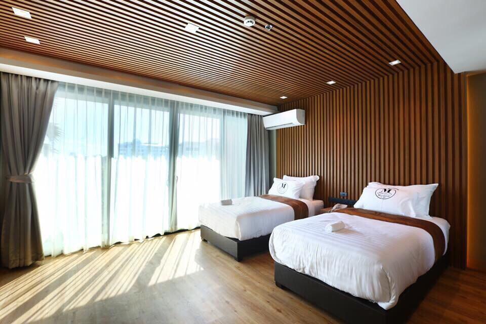 Ốp tường gỗ nhựa cho phòng khách sạn