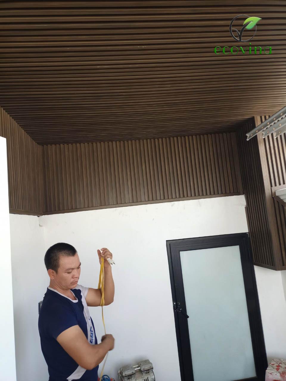 Thi công - cung cấp trần nan gỗ nhựa uy tín tại Hà Nội 2021